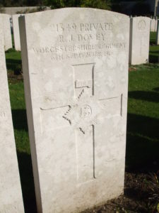 The grave of Richard Dovey at Etaples Military Cemetery.