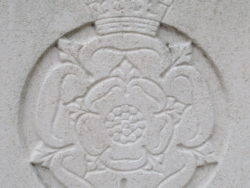 Capbadge of the Yorks and Lancs Regiment